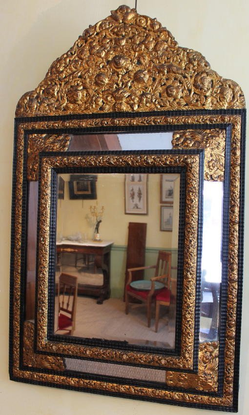 Miroir à fronton