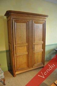 Petite armoire en chêne
