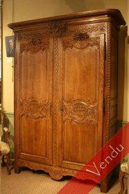Petite armoire normande de mariage