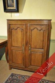 Rare petite armoire en bois de chêne