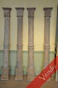 Suite de quatre demi-colonnes