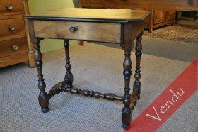 Table noyer Louis XIII